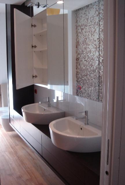 mobile bagno mobile bagno sospeso con cassetti in rovere tinto moro ...