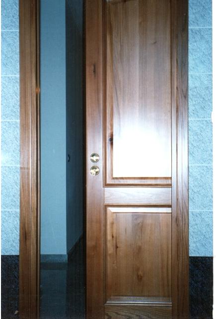 L 39 arte del legno falegnameria grossi davide cisterna di for Porta doppia anta